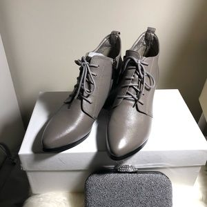New ankle boots size 35 in grey